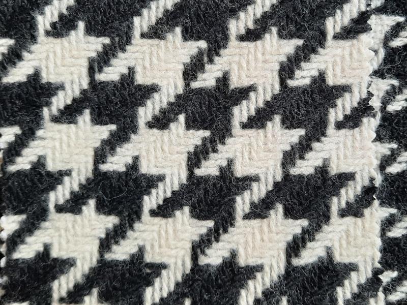 Tkanina wełniana w pepitkę dużą